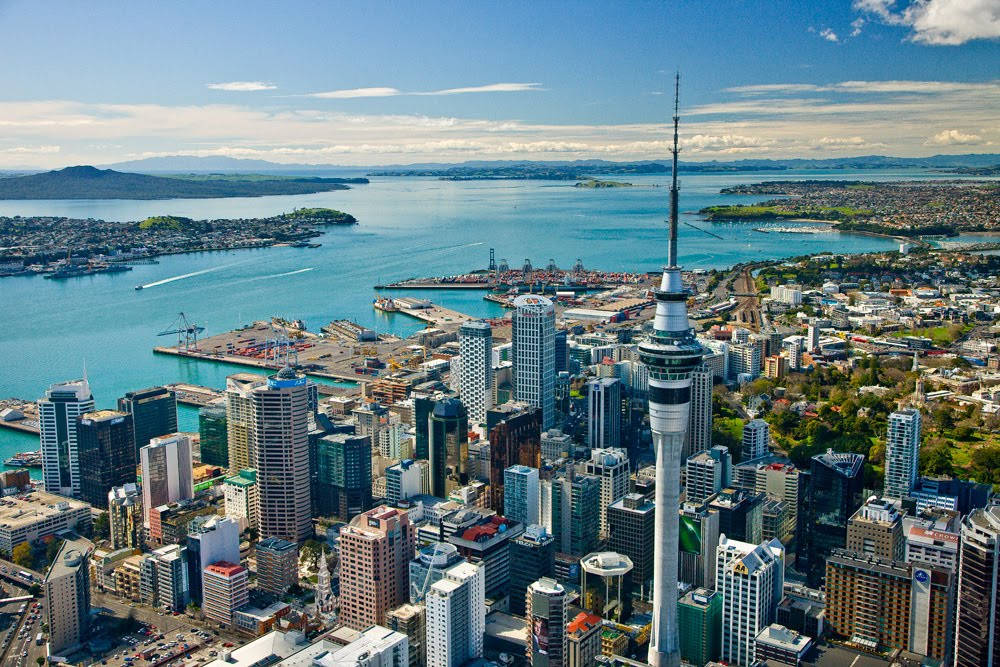 ve-may-bay-di-auckland