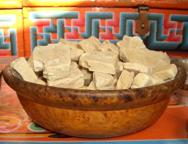 món bánh Aaruul