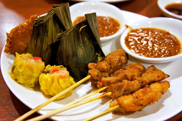 thưởng thức ẩm thực singapore