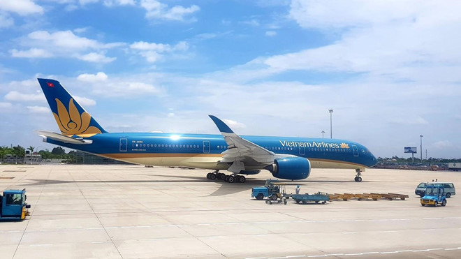 vietnam airlines co wifi tren may bay