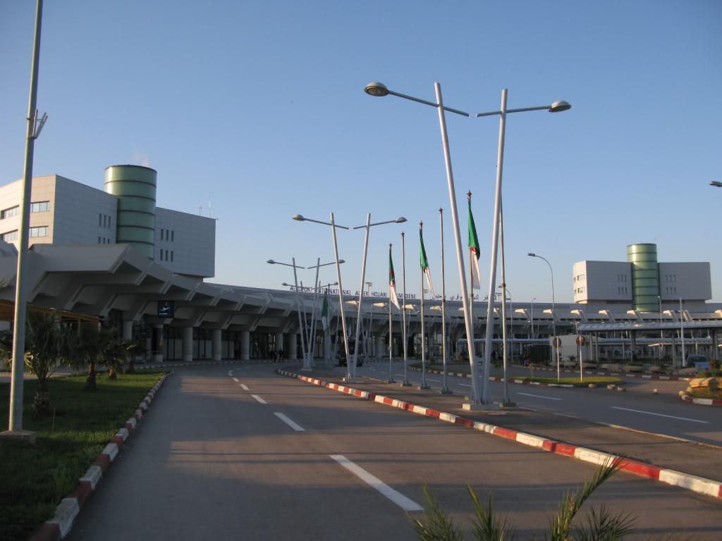 ban ve may bay di Algeria