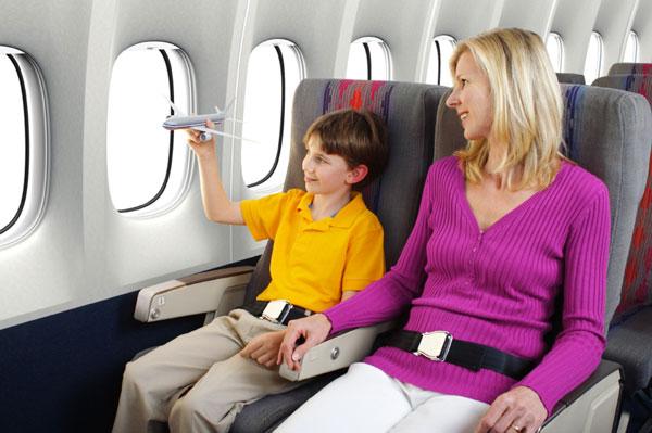vé máy bay dành cho trẻ em