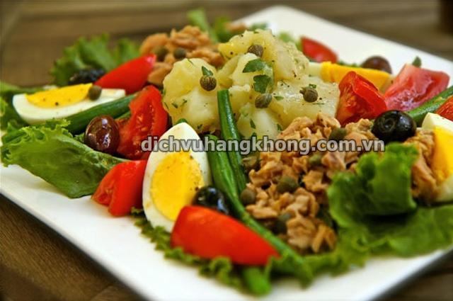 mon Salade Nicoise Dịch Vụ Hàng Không