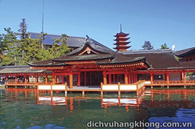ngoi den Itsukushima Dịch Vụ Hàng Không