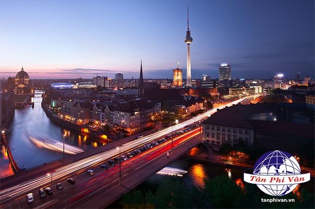 Berlin Dịch Vụ Hàng Không