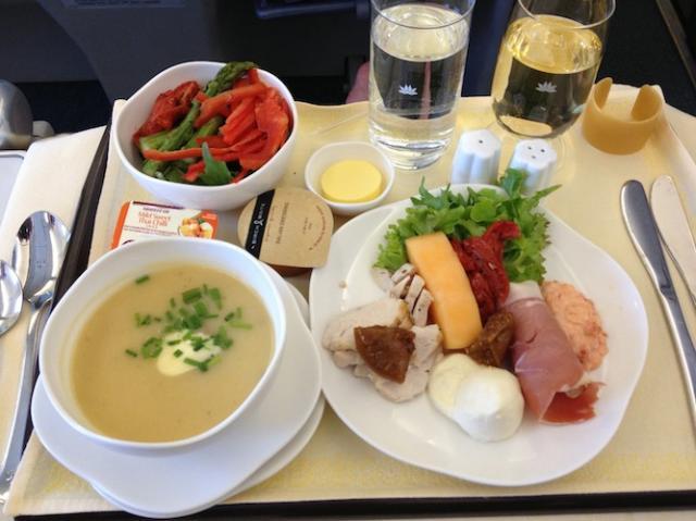 thức ăn hãng vietnam airlines