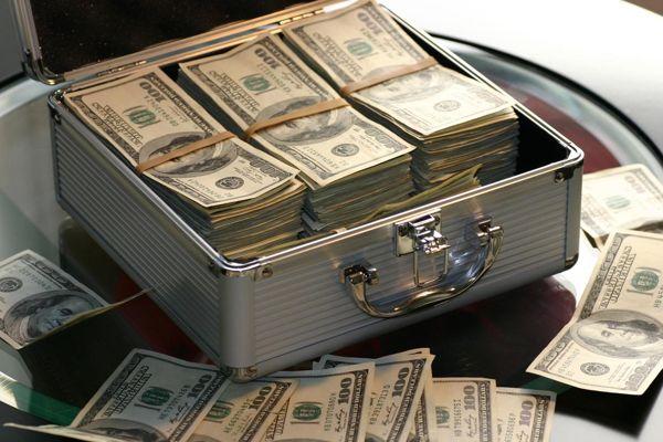 đi mỹ được mang theo bao nhiêu tiền